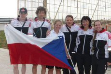 Team Czech Republic at European Masters Marathon Championship in Italian town of Salerno. Výprava České republiky na European Masters Marathon v italském Salernu. From the left: Pavel Zajpt, David Novak, Eva Sodkova, Jaroslav Zika, Daniela Veverova and Hanka Duspivova.
